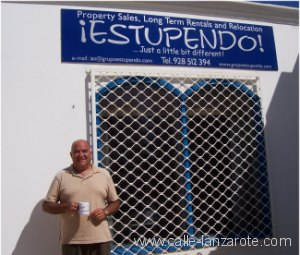Mike Cliffe-Jones outside the ¡Estupendo! office in Puerto del Carmen (Lanzarote)